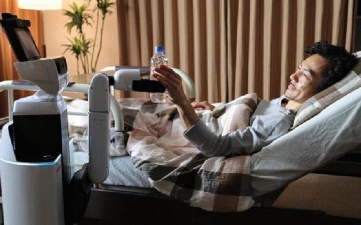 Toyota crea robot HSR asistente para personas con discapacidad