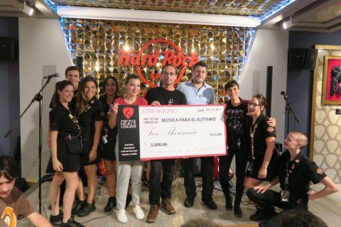 Hard Rock Café Valencia dona 5.000$ a la Asociación MUA (Música Para El Autismo)