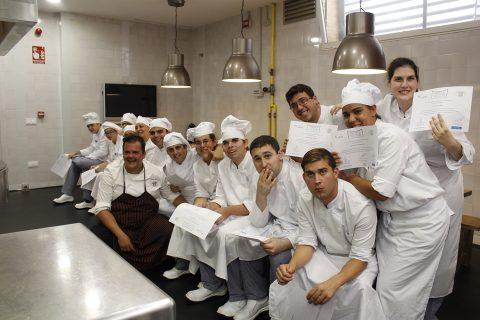 15 alumnos con discapacidad intelectual completan la formación en cocina de Solidarios Coosur