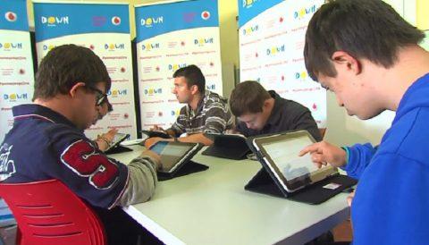 Fundación Vodafone y Down España formarán a personas con discapacidad en nuevas tecnologías