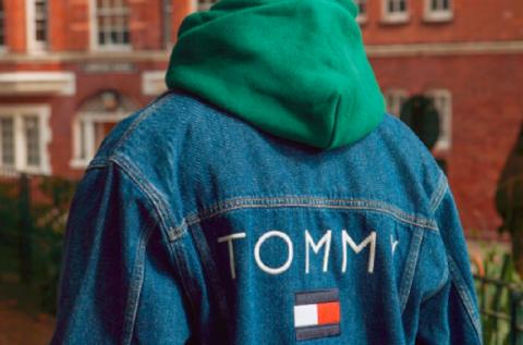 Tommy Hilfiger crea línea de ropa para personas con discapacidad