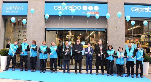 Caprabo abre en Manresa el primer súper gestionado integramente por personas con discapacidad