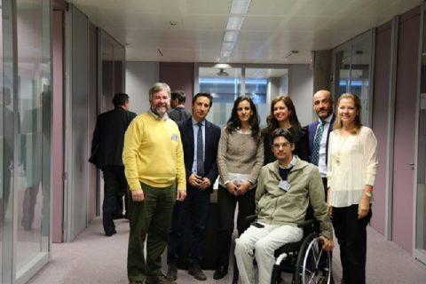 Indra y Fundación Universia impulsan tres proyectos para mejorar la comunicación y movilidad de las personas con discapacidad