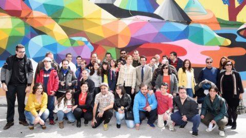 Okuda pinta un mural de 600 metros en Puertollano, lleno de color