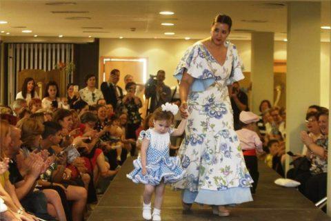 Éxito del desfile de Mujeres de Hoy a favor de Autismo Córdoba