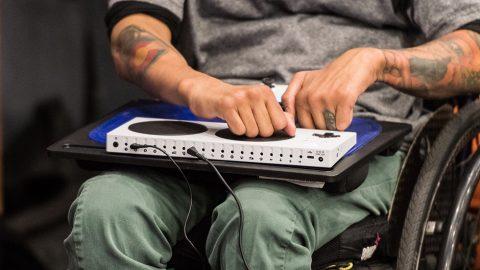 Microsoft presenta formalmente el mando de Xbox para personas con discapacidad