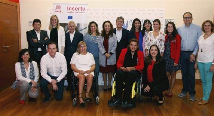 El programa de Roche Farma e Inserta Empleo 'Voluntarios por la integración' finaliza con 12 jóvenes contratados