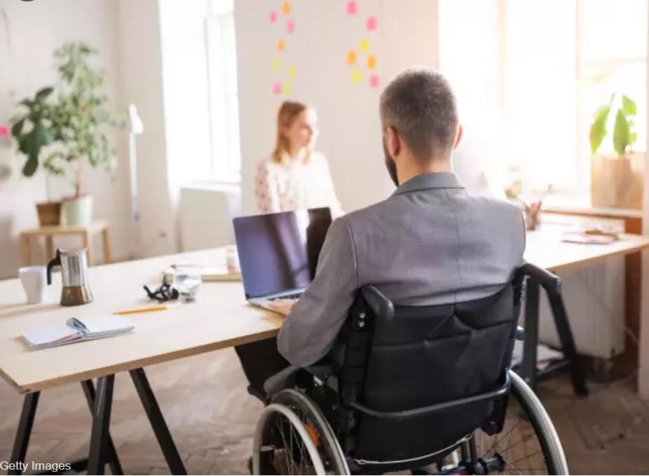 Resultado de imagen para empleados con discapacidad