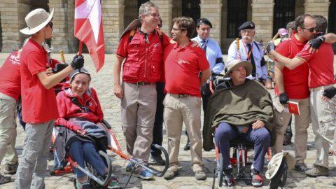 Cuatro personas en silla de ruedas completan el Camino de Santiago