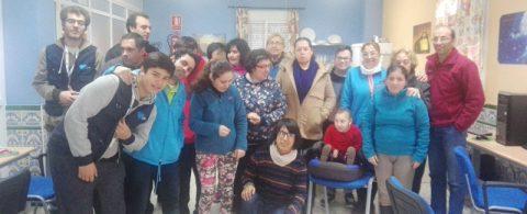 La asociación Apdis recibe una ayuda de Caixa Bank para un proyecto de vida independiente