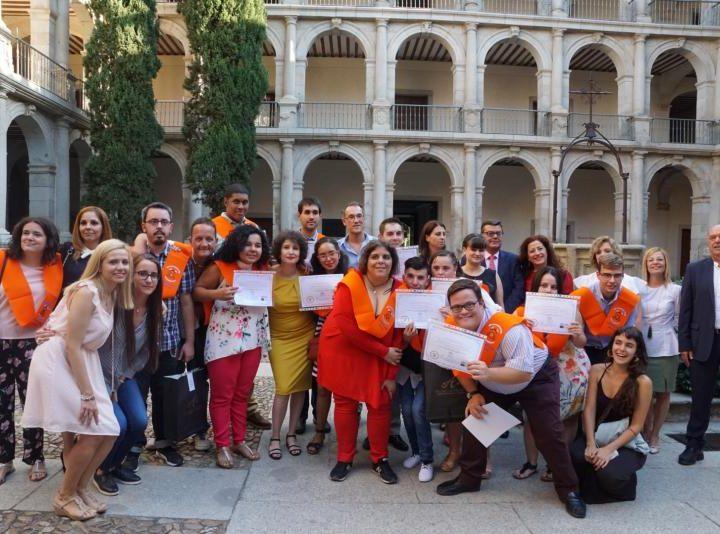 Graduación de la primera promoción de jóvenes con D.I. de un curso sobre competencias sociolaborales