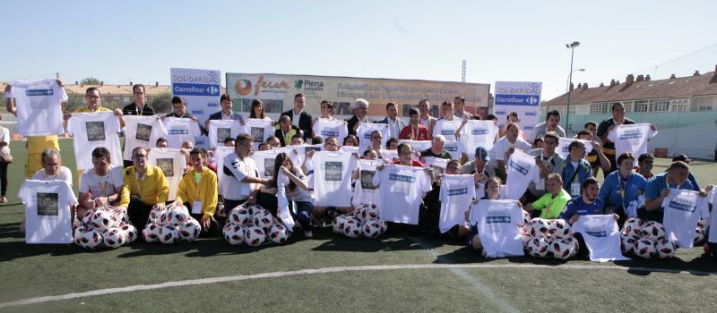 Carrefour dona a Fecam equipamiento para la práctica de deporte inclusivo 74641e03e8e