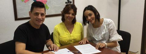 El Ayuntamiento de La Jana cede tres fincas de olivos para que trabajen adultos con TEA