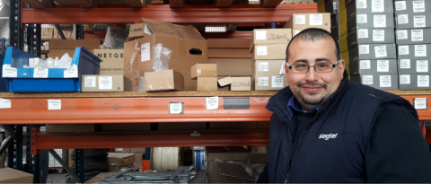 David González , un trabajador entusiasta en Magtel