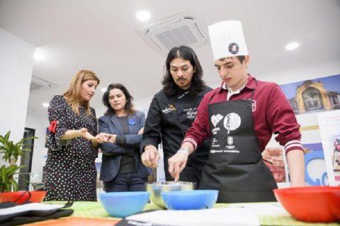 Niños con autismo de la Asociación Dárata aprenden a cocinar en Almeria 2019