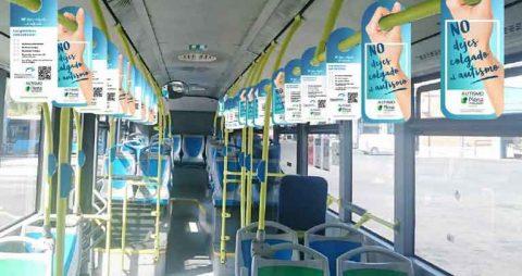 Autobuses de la Emt participan en la campaña 'no dejes colgado al autismo'