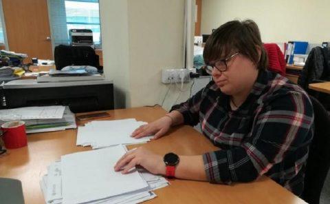 Alumnos de la Fundación Síndrome de Down realizan prácticas en empresas de la provincia.