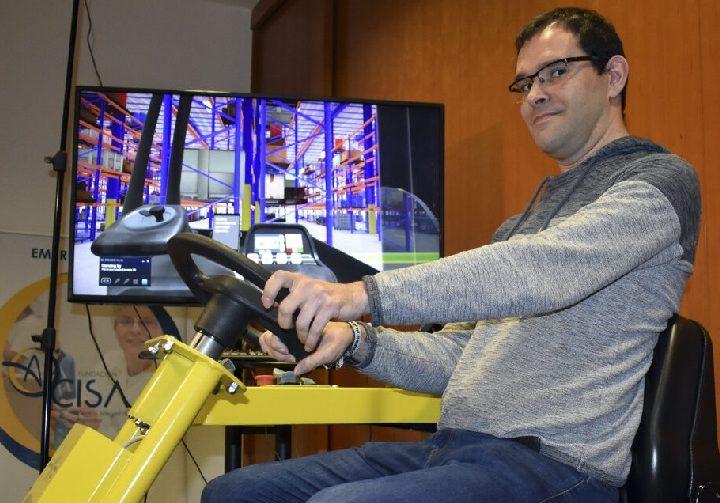 ITCL diseña un simulador de carretillas elevadoras que facilita la capacitación de personas con discapacidad