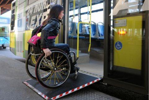 EMT Y CERMI Madrid analizan los retos en la movilidad de personas con discapacidad