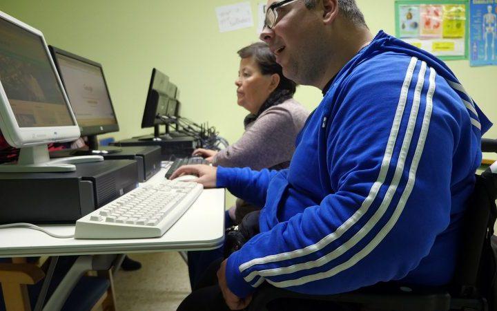 Verdiblanca obtiene apoyo de Cajagranada fundación y bankia para su proyecto Digitaliza2