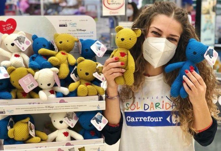 Carrefour y Famosa presentan los peluches solidarios TEAtrapo