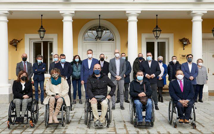 Ford España, Fundación ONCE y Real Patronato sobre Discapacidad entregan 11 furgonetas