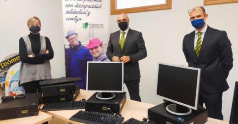 Bankia dona equipos informáticos al Grupo Fundación San Cebrián de Palencia