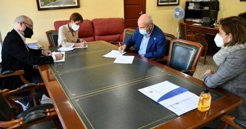 Mogán y Cocemfe suscriben un convenio para promover la integración laboral de personas con discapacidad